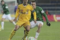 Záložník FC Vysočina Lukáš Vaculík si na podzim považuje především dobrých domácích výkonů celku. Jediné zklamání přineslo týmu utkání s Jabloncem (na snímku), které Jihlavané prohráli.