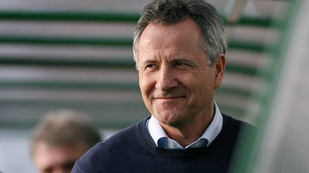 Jihlavu vede v první lize František Komňacký, jeden z nejzkušenějších trenérů v Česku. Na Vysočině podepsal smlouvu na dva roky.