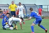 Jihlavský výběr U17 (v modrém) doma vyhrál nad Mladou Boleslaví po penaltovém rozstřelu.