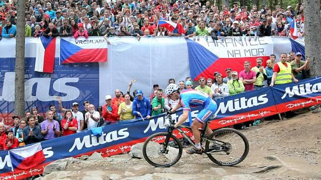 Mistrovství světa. Koncem června se konalo ve Vysočina Areně v Novém Městě na Moravě mistrosvtí světa horských kol. Na sportovní svátek se sjely desetitisíce fanoušků.