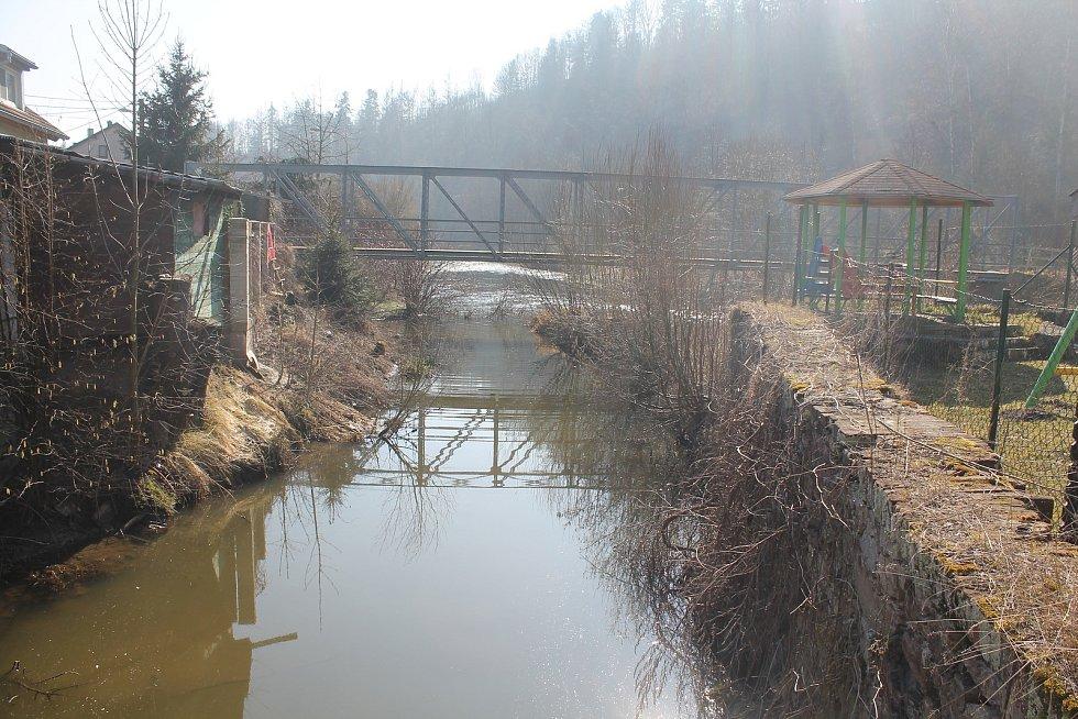 Malý Beranov má jednoznačně nejmenší katastr na Jihlavsku, teče skrz něj řeka Jihlava.