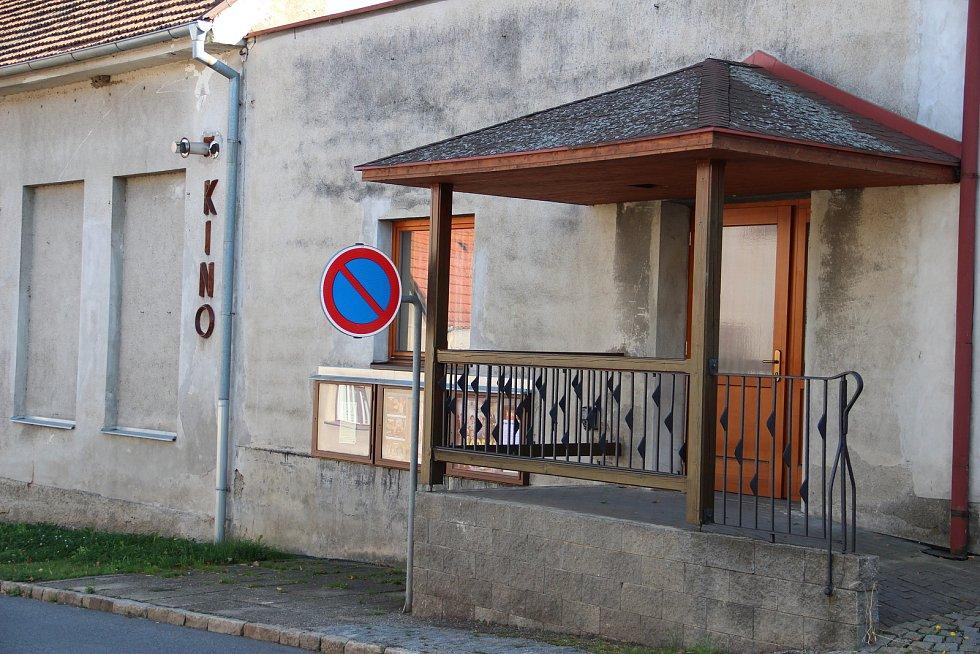 Kino v Dolní Cerekvi.