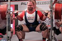 Tomáš Šárik zvedl v Plzni dohromady 1 000 kg, což byl druhý nejlepší světový výkon v kategorii mužů do 120 kg.