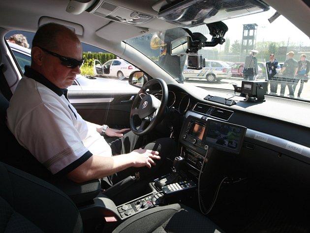 Úsekové měření. Začátkem letních měsíců pomohou dálničním policistům radary v opravovaném úseku.