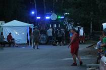 Technoparty poblíž Batelova byla ohlášená. Přišlo na ni celkem 96 návštěvníků.
