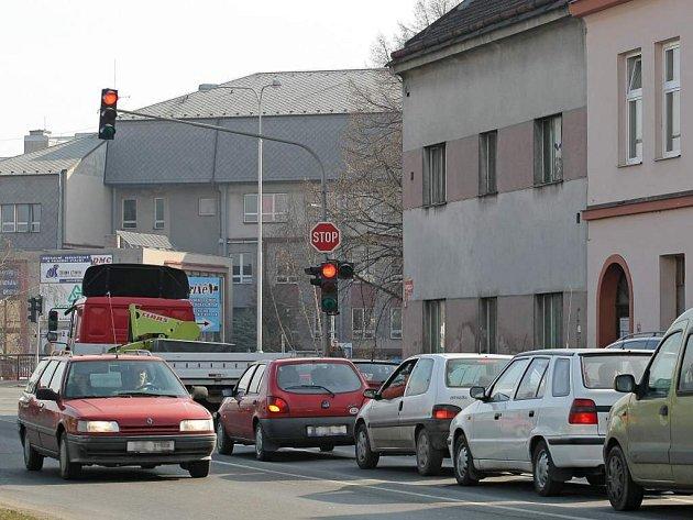 Křižovatky ve městech na Vysočině  jsou pod policejním drobnohledem. Muži zákona hodlají zatočit s každým, kdo nedodržuje dopravní předpisy. Ilustrační foto.