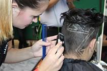 První. Vítězný sestřih Marie Reitermannové v kategorii Hair Tattoo.