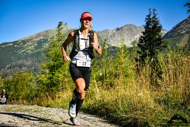 Mám moc ráda hory a ráda vnich běhám. Škoda, že není víc příležitostí. Letos jsem si splnila sen a zúčastnila se závodu Tatranská šelma, který se běží téměř přes celé Vysoké Tatry. Závod mě naprosto učaroval.