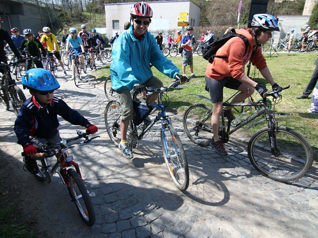 Jednou z cyklistických akcí je celorepubliková kampaň Do práce na kole. Ilustrační foto.