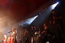 Fenomenální koncert patřil jednoznačně k vrcholům celého festivalu Prázdniny v Telči. Nadšení diváci si vytleskali dokonce tři přídavky.