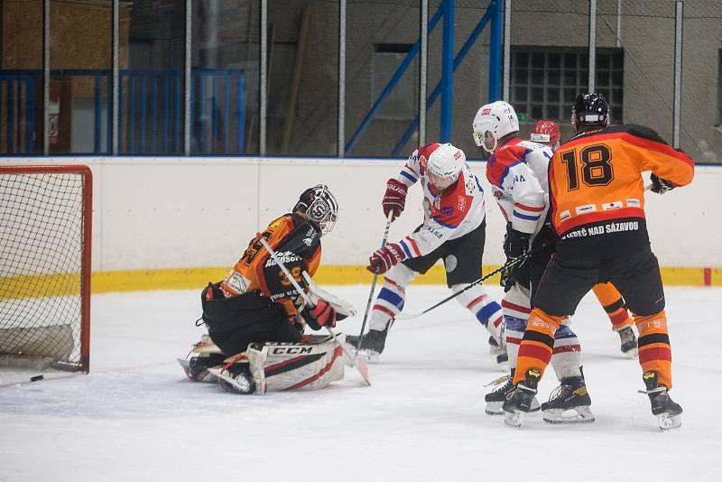 Hokejové utkání mezi HC Lvi Chotěboř a HC Ledeč nad Sázavou.