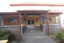 Škola a školka v Kněžicích