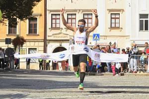VÍTĚZ. Jihlavský půlmaraton 2019 ovládl Jakub Exner, stejně tak se stal i celkovým vítězem Poháru Běžce Vysočiny uplynulé sezony.