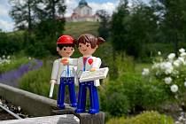 Jiřík a Mařenka jsou hračkoví průvodci putováním zaměřeným na nejmenší.