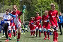 Žáci FKM Vysočina si sice společnou rozcvičku ještě neužijí, ale trenéři jim tréninky připravují. Dodržují však nařízení a trénují ve dvojicích.