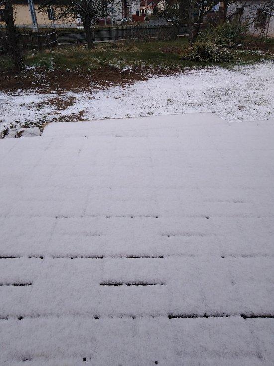 V úterý 31. března se také v Pavlově na Jihlavsku objevil sníh.