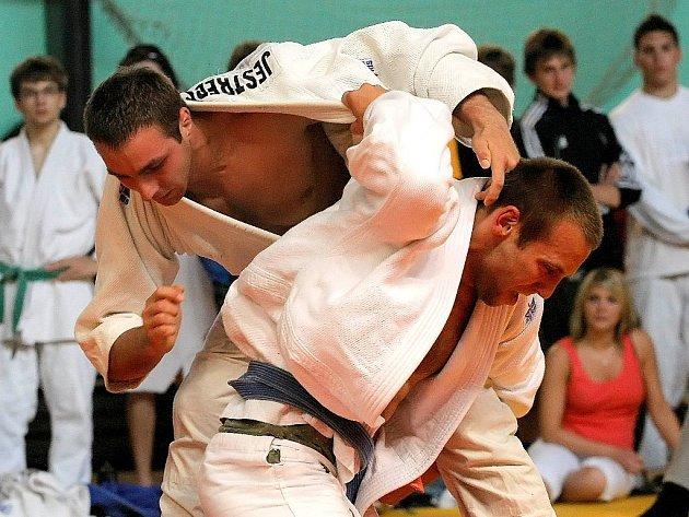 Adam Jestřebský (nahoře) triumfoval v nejlépe obsazené váze do 73 kg.