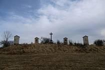 V Nové Říši pokračuje obnova tamní křížové cesty.