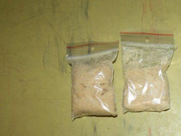 Pět let vězení hrozí mladíkovi za distribuci drog