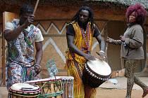 Afričtí tanečníci do jihlavské zoologické zahrady jezdí už devátým rokem.