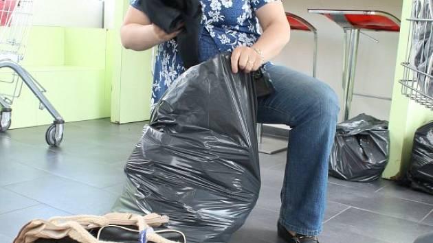 Přípravy na kabelkový veletr.