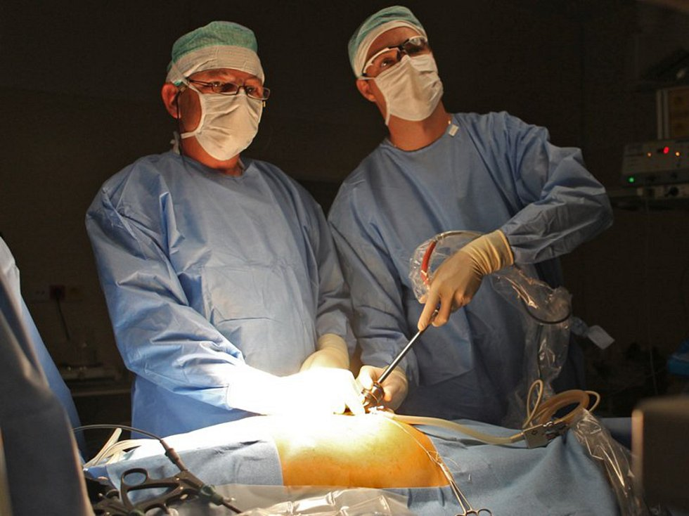 Na centrálních operačních sálech došlo k výměně stávajících anesteziologických přístrojů za nové.