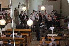V kostelech často probíhaly koncerty.