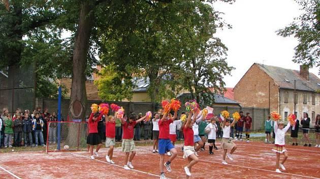 Základní škola v Křížové ulici - slavnostní otevření nového hřiště.