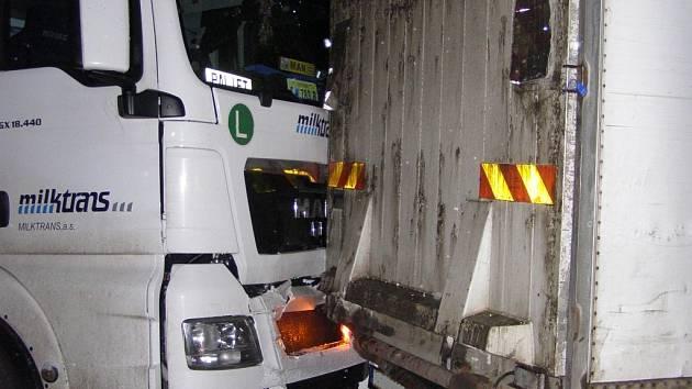 Nehoda na dálnici D1 u Řehořova.