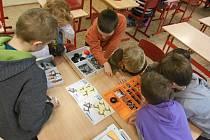 Děti v rámci kroužku hrají hry.