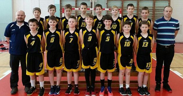 Skvělá a úspěšná parta. Basketbaloví žáci BC Vysočina U12 se v Ostravě nezalekli silných a věhlasných soupeřů, a z basketbalového festivalu přivezli bronzové medaile!