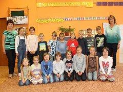 Základní škola v Hodicích je malotřídní. Celkem navštěvuje ve školním roce 2017/2018 školu 22 žáků v pěti ročnících prvního stupně.