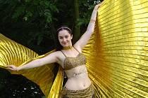 Břišním tancem s křídly Isis slaví Vendula Pánková udiváků vždy velký úspěch.