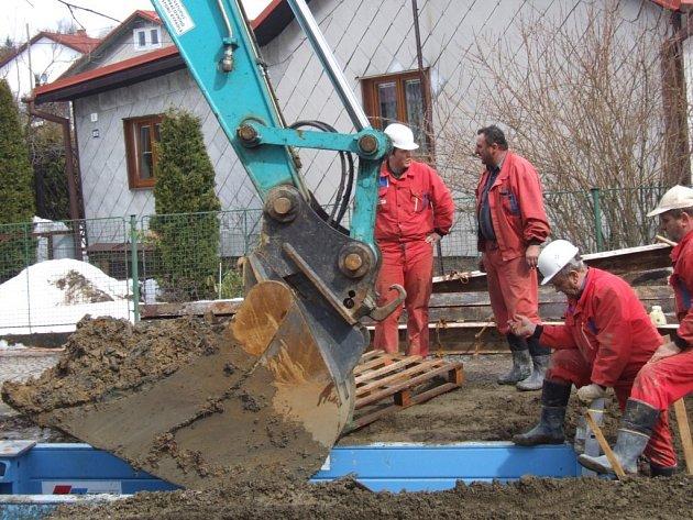 Loňská oprava kanalizace ve Žďáře nad Sázavou stála přibližně 200 milionů korun. Radnice se Svazem vodovodů a kanalizací dostala na projekt sedmdesátiprocentní dotaci z Evropské unie.