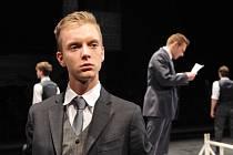 Richard Pekárek v divadle.