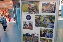 Výstava v jihlavském City Parku ukazuje několik tváří dobrovolnictví.