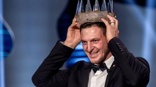 Konečně král. V posledních letech anketu Sportovec roku opanovaly ženy, dařilo se zejména žďárské rychlubruslařce Martině Sáblíkové, ale teď přichází střídání stráží. Na trůn se právem dostal jihlavský judista Lukáš Krpálek, jediný český olympijský vítěz.