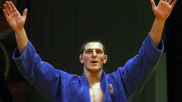 Až do semifinále Lukáš Krpálek procházel v Istanbulu turnajem jako nůž máslem. Potom ztroskotal na gruzínském dvojbloku a z Turecka si tak nakonec medaili neodvezl.