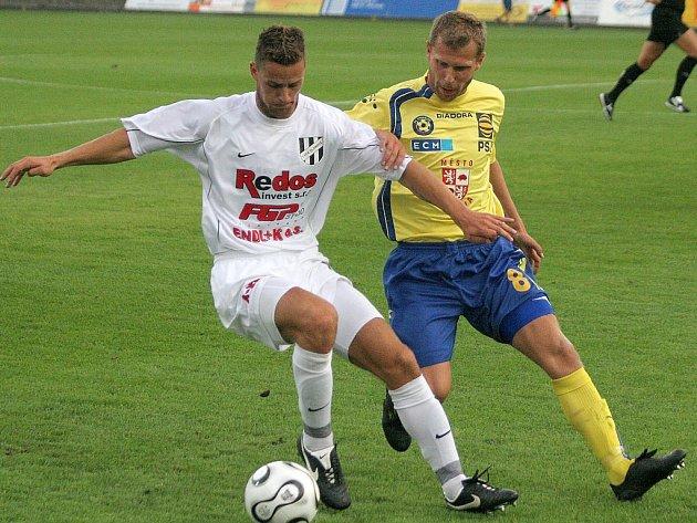 V prvním mistrovském utkání remizovala Jihlava s HFK Olomouc 2:2. Vyložených šancí si ale vypracovala podstatně více. Jedním z těch, kteří zahodili vyloženou příležitost, byl například záložník Michal Veselý (vpravo).