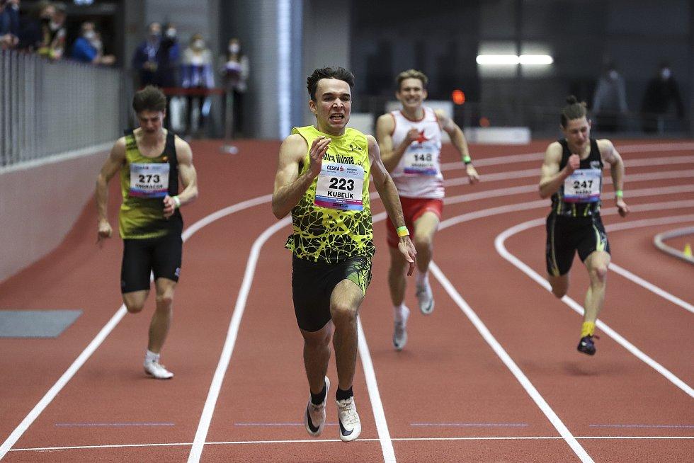 Eduard Kubelík ve finiši dvoustovky.