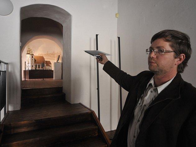 V Muzeu Vysočiny Jihlava se nyní pilně pracuje. Od září si lidé budou moci projít dva prohlídkové okruhy. Jeden bude věnovaný historii, druhý živé a neživé přírodě.
