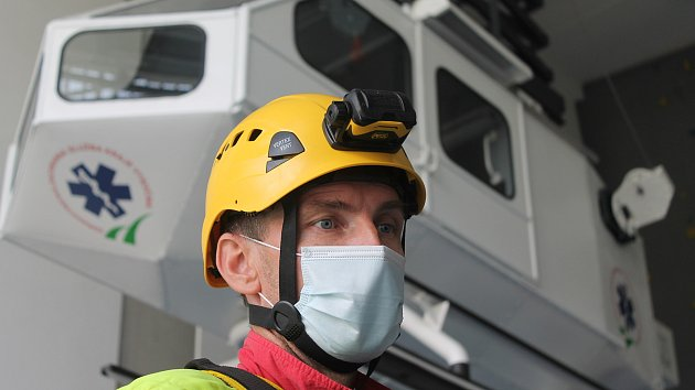Záchranáři na Vysočině trénují na torzu vrtulníku