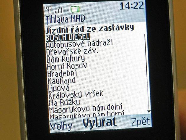 Takto vypadá aplikace jízdní řádu jihlavského dopravního podniku na mobilu.