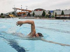 Venkovní bazén Vodního ráje v Jihlavě.