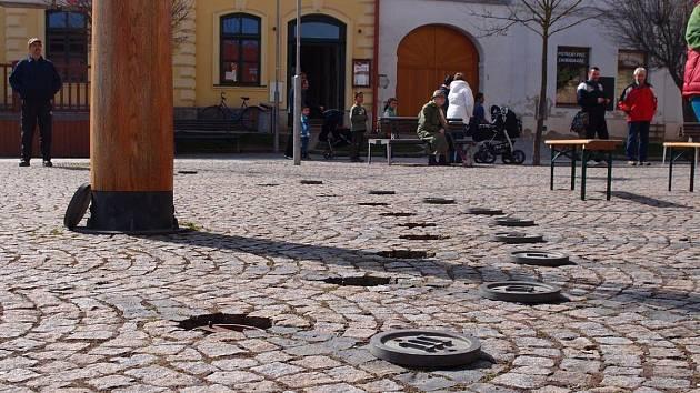 Sluneční hodiny na náměstí T. G. Masaryka v Třešti jsou chloubou města.