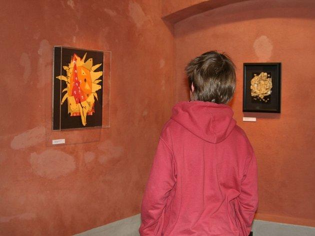 U Galerii v Hasičském domě v Telči můžete v současnosti shlédnout netradiční techniky Ladislava Nováka.