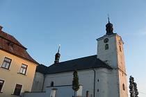 Dominantou Zhoře je kostel svaté Markéty.