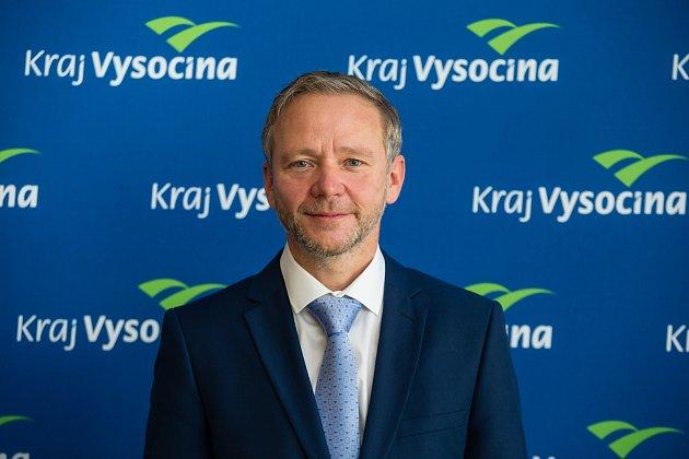 Nový hejtman Kraje Vysočina Vítězslav Schrek na ustavujícím zasedání krajského zastupitelstva vJihlavě.