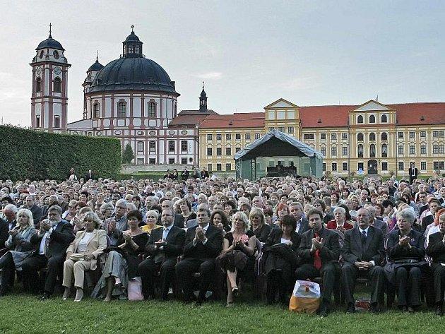 Již tradiční srpnový hudební festival Petra Dvorského hostí Jaroměřice nad Rokytnou (na snímku). V rámci festivalu se některé koncerty uskuteční také v Telči.