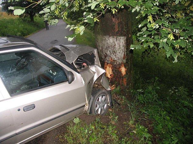 Středeční dopravní  nehoda na silnici z Brtnice na Kněžice.